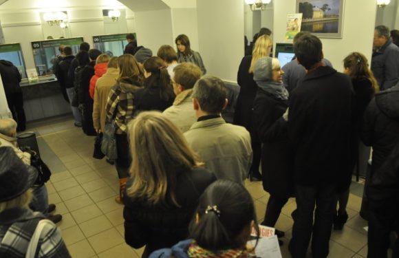 Россияне массово закрывают вклады в банках