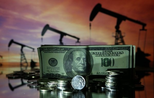 Силуанов считает недопустимыми дополнительные налоги на сверхдоходы нефтяников и против «вливания» этих нефтедолларов в бюджет