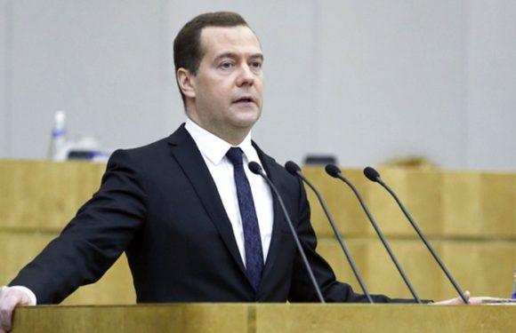 Медведев на заседании Госдумы заявил, что повышение НДФЛ правительством пока не готовится