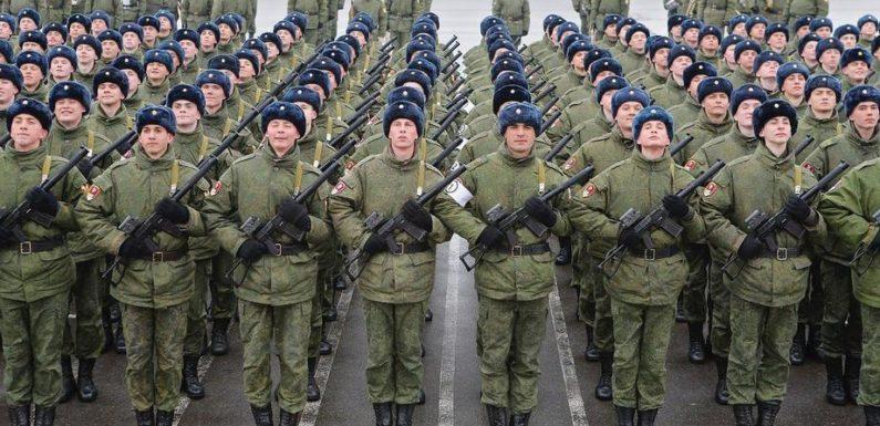 Как будет меняться денежное довольствие военнослужащих и военные пенсии после инаугурации Путина в 2018, 2019 и 2020 годах