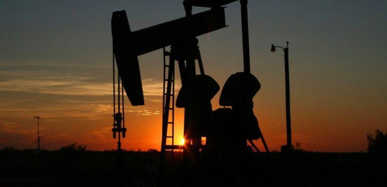 Сверхдоходы от нефти и повышение пенсионного возраста в одном флаконе