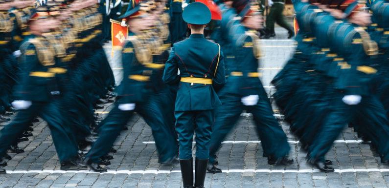 Вопрос отмены военной пенсии и досрочных пенсий за выслугу лет обсуждается в правительстве