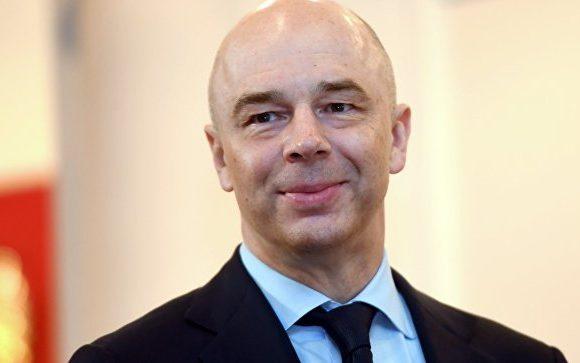 Силуанов утверждает, что зарплаты выросли, а Росстат говорит о снижении доходов населения