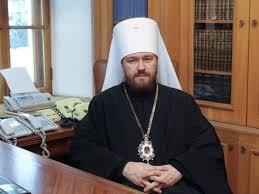 Иларион заявил, что из-за снижения покупательной способности населения России доходы храмов РПЦ снизились.