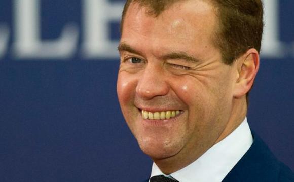 Путин в Новосибирске, а Медведева опять нет! Куда пропал?