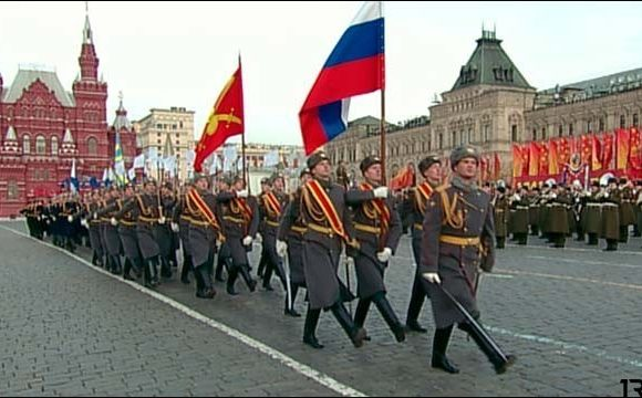 Смотреть прямую трансляцию парада на Красной площади 7 ноября 2018 года онлайн
