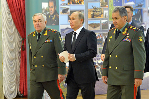 Путин потребовал обеспечить военных жильем и детскими садами