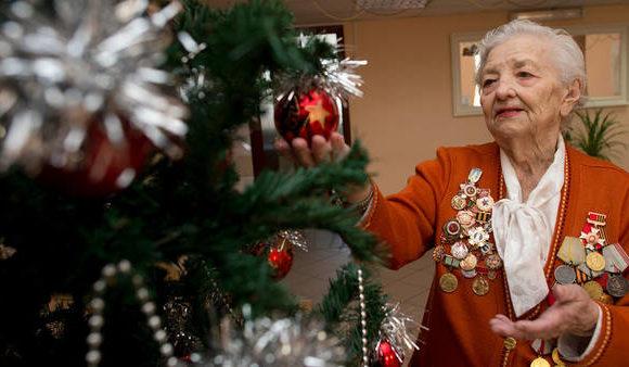 Какой аванс от январской пенсии выплатят в декабре в рублях?