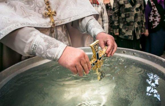 Когда и откуда можно набирать крещенскую святую воду? Целебные свойства воды в Крещение